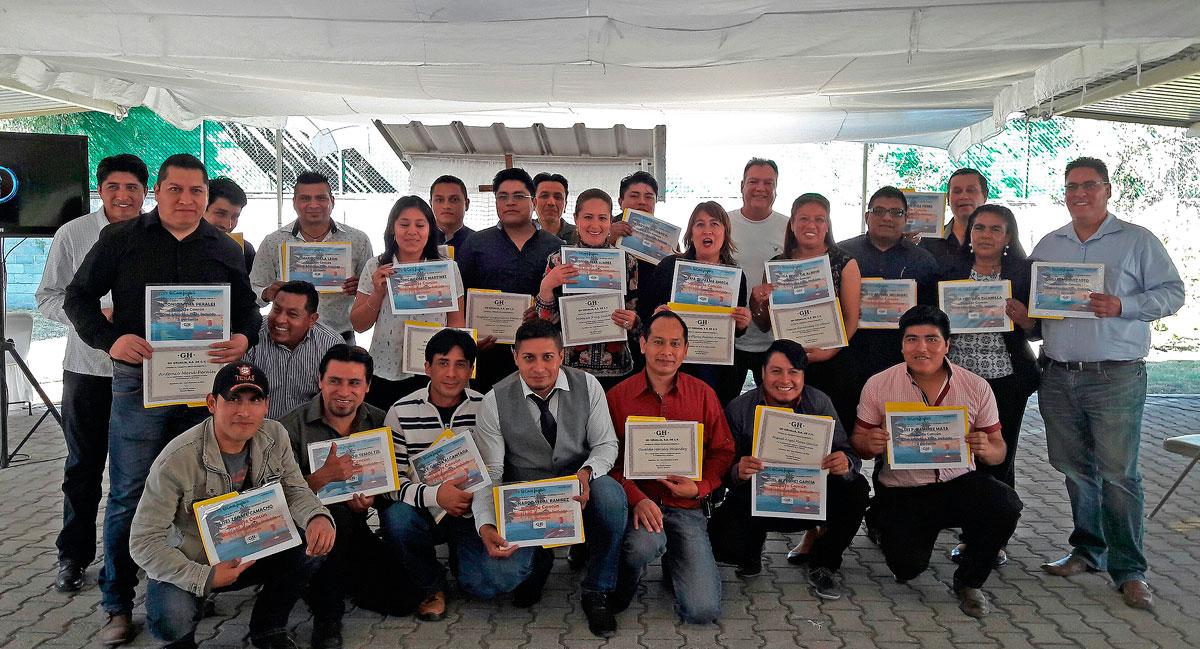 entrega-de-reconocimientos-y-premios-por-antiguedad-en-gruas-gh-mexico_01