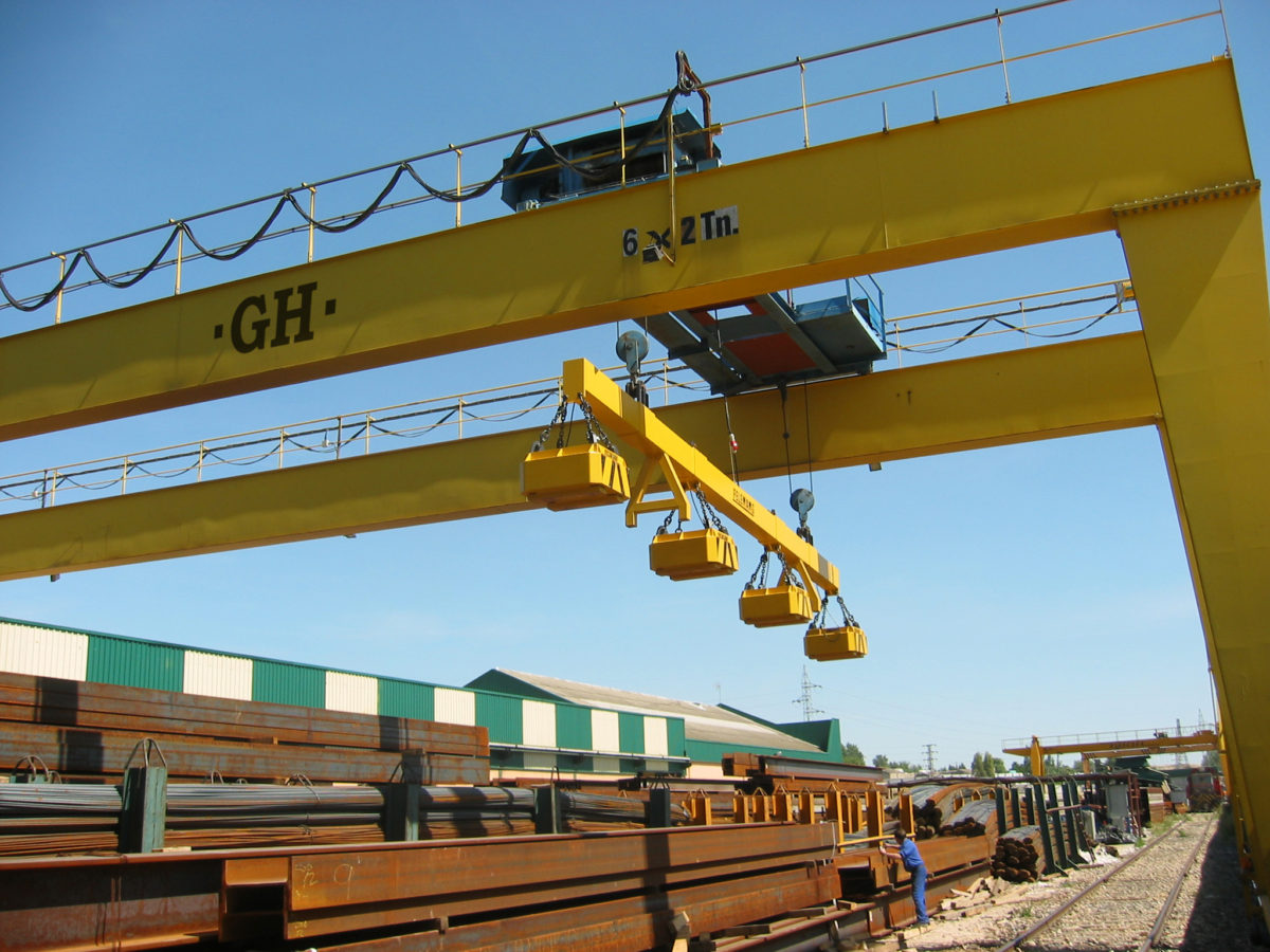 Manufacturers of cranes for the metals distribution sector