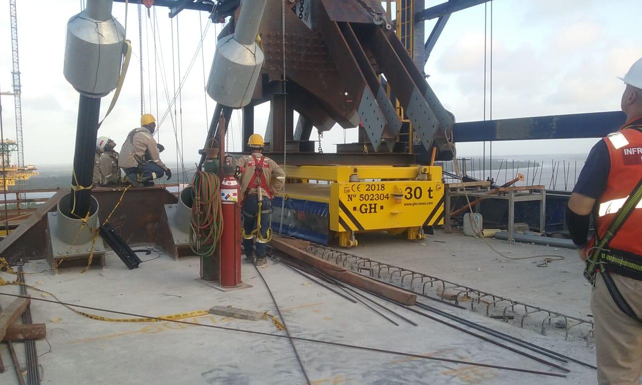 Entregados dos carretones con sistema de izaje hidráulico para Sacyr en Puente Pumarejo Barranquilla Colombia