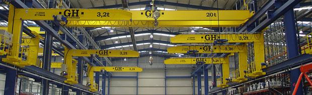 Cantilever cranes