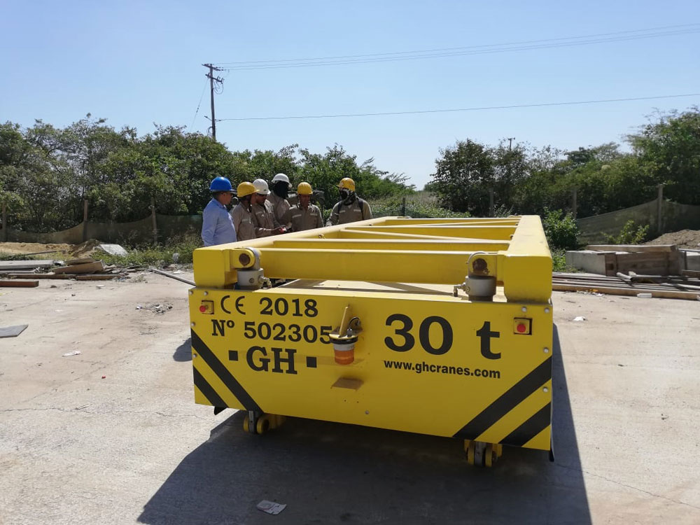 <b>Customer</b>: Sacyr. <b>Place of installation</b>: Puente Pumarejo Barranquilla, Colombia. <b>Capacity</b>: 30t. <br>