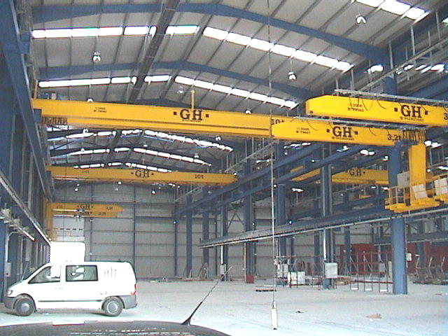 <br>Several wall jib cranes with hoists of 3,2t lifting capacity and some EOT cranes with 10t lifting capacity for Comansa customer.