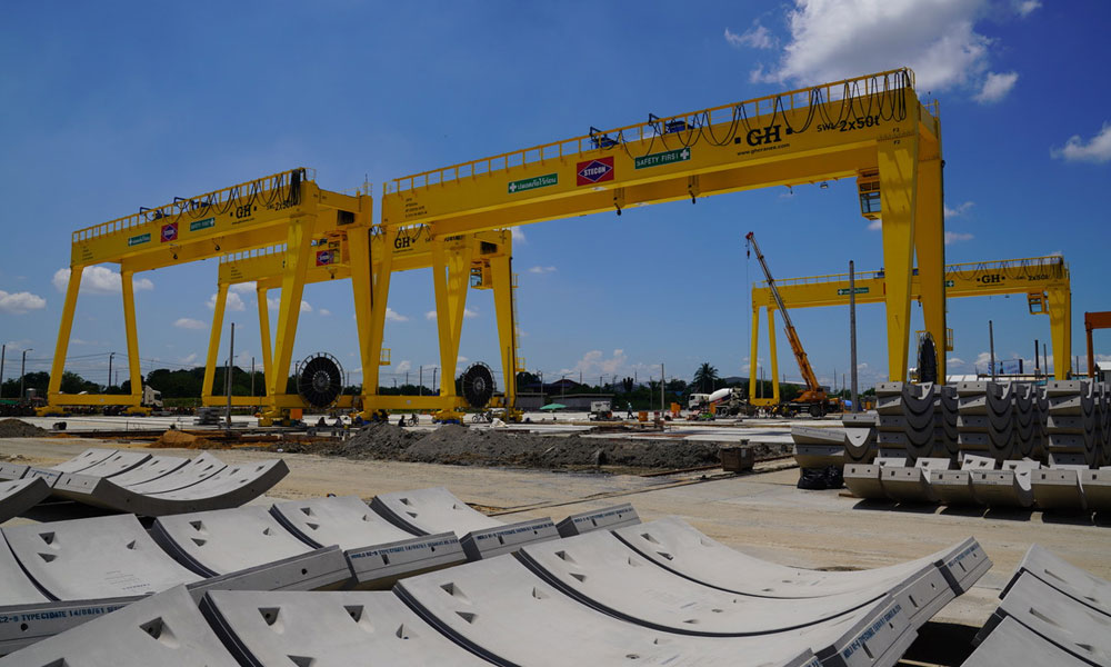 <b>Customer</b>: Lee Machinery (Thailand) CO., LTD.. <b>Place of installation</b>: Nonthaburi, Thailand. <b>Capacity</b>: 2x50t. <b>Span</b>: 37,27m. <b>Lifting height</b>: 18m. <br>