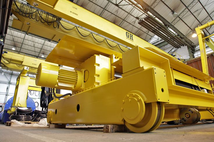 <br>Double girder hoist with GHG bogies with a capacity of 50 t and an auxiliary GHE hoist with legs with a 10 t capacity. Duty M5 and M6, respectively for PCT Group LTD (Dubai).