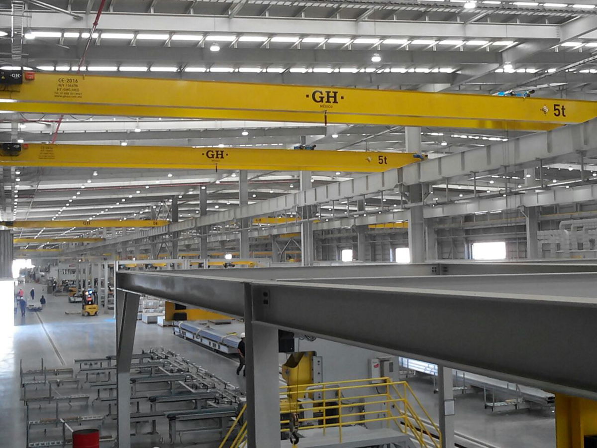 Several overhead cranes installed with hoists different lifting capacities for Hyunduai in Rosarito (Mexico)
