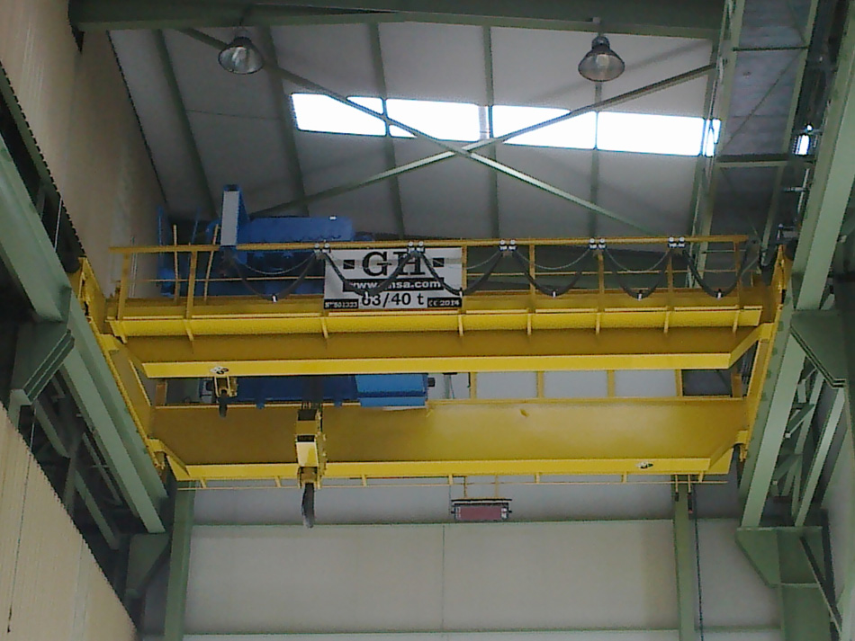 Two open winch cranes, 63/40 t capacity.