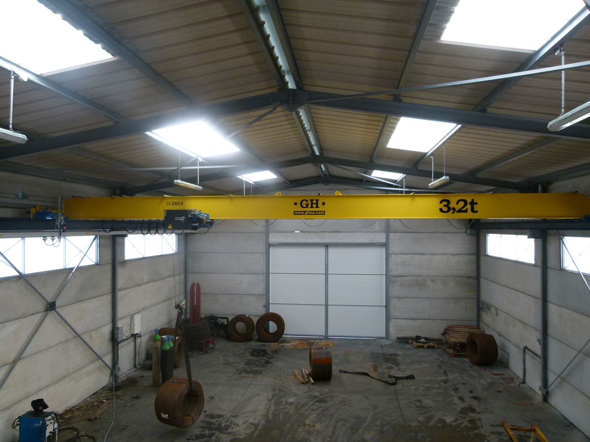 <br>Overhead Crane with GHA 12 3,2t lifting capacity hoist installed in Nantes