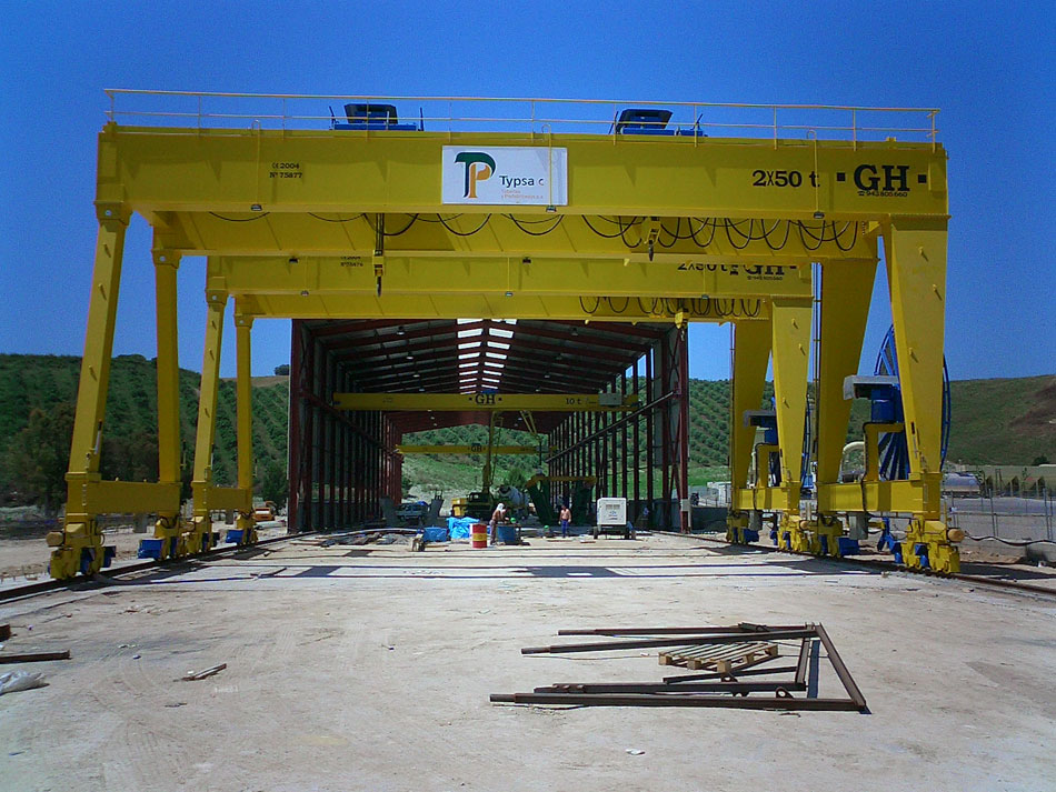 <br>Portal crane for Typsa with two 50t hoist each.