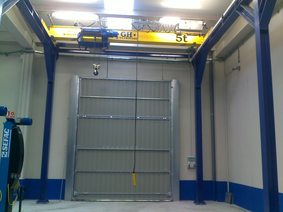 <br>Overhead crane with hoist of 5t lifting capacity for Sirasa in Zaragoza