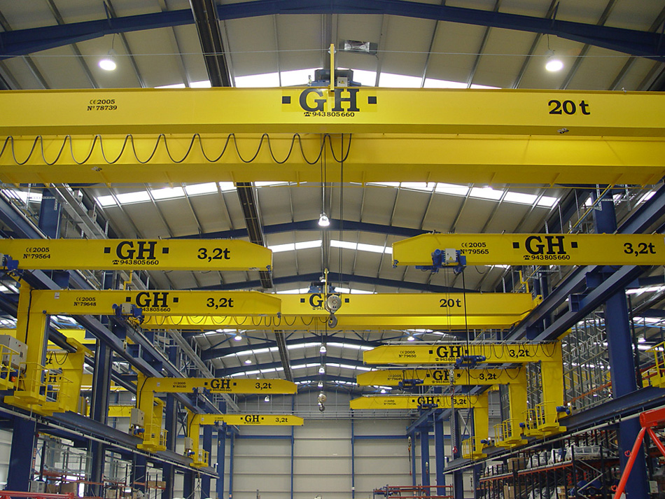 <br>Installation of multiple cranes and cantilever GH Cranes and Components in the Steel constructions industry. COMANSA