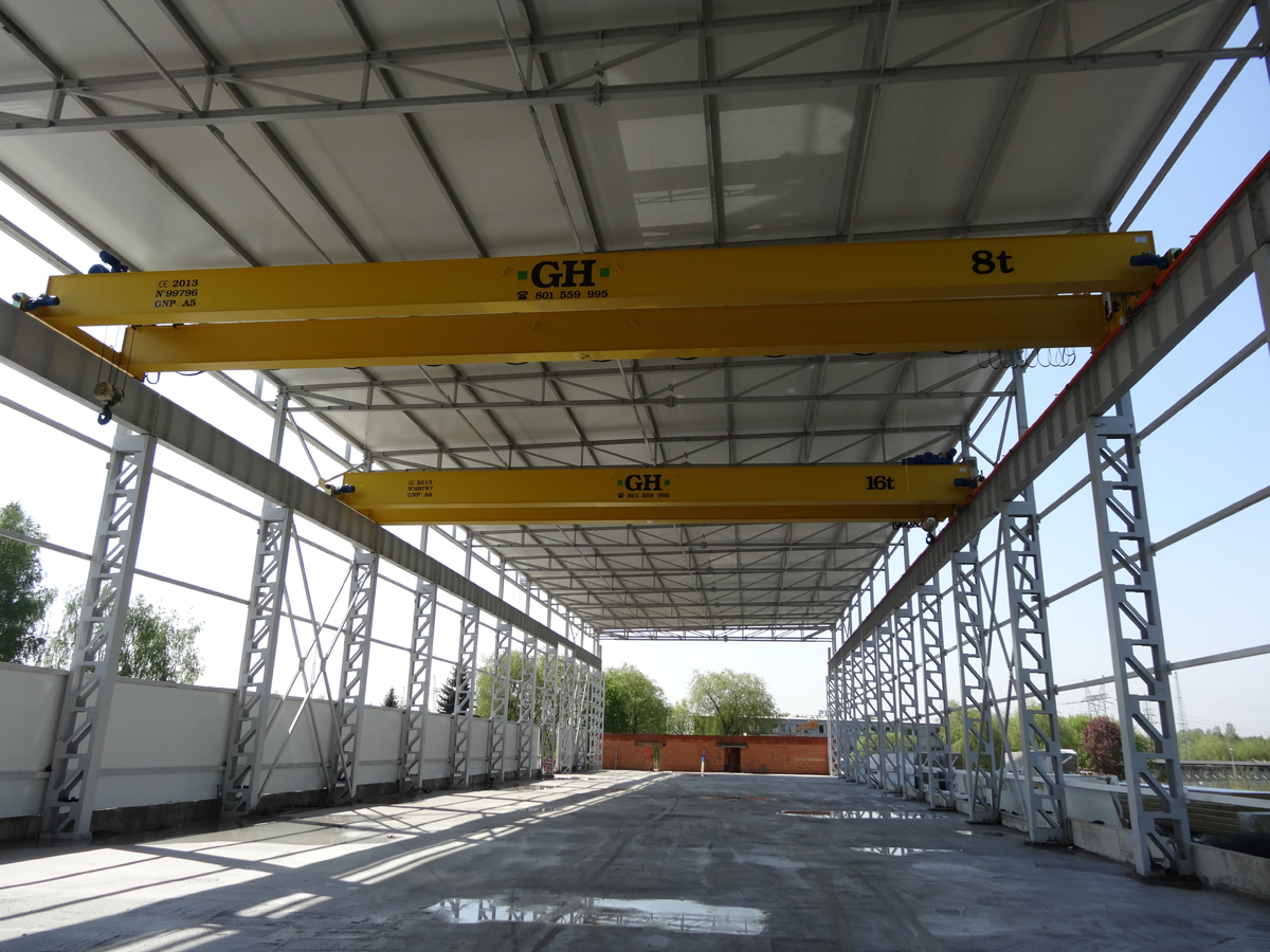 <br>Two bridge cranes, one with a 16 t lifting capacity hoist and the other with 8t for customer Comstal in Poland