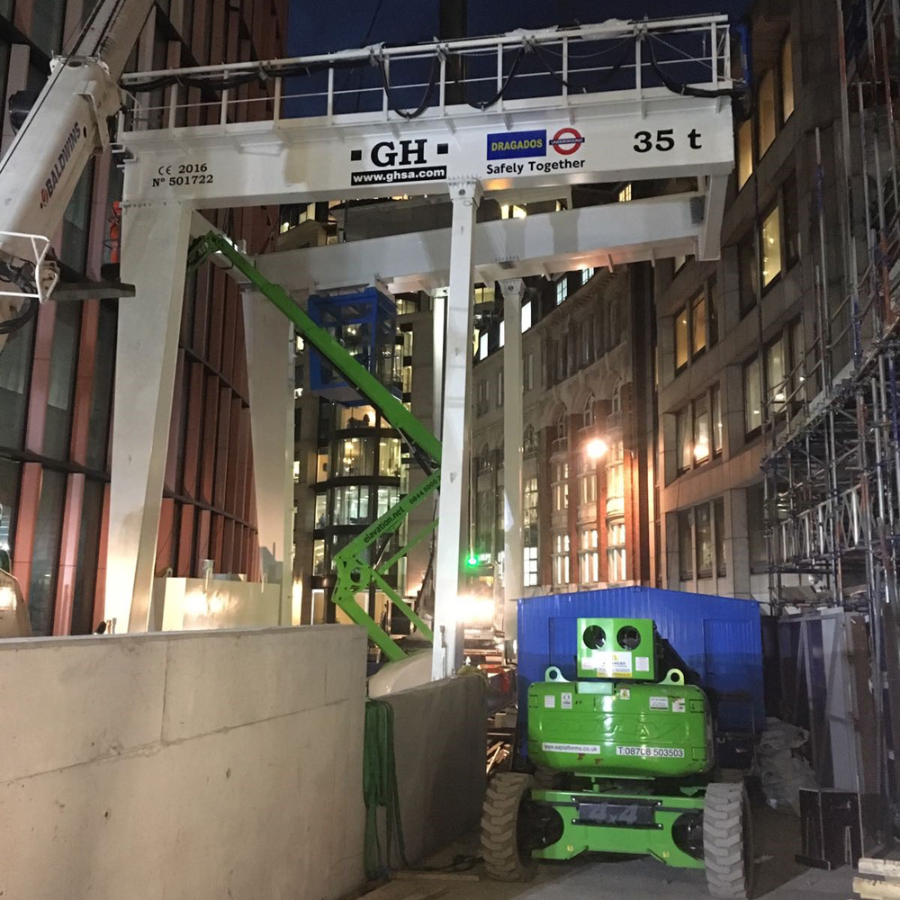 Gantry crane with 35t lifting capacity hoist and cantilever on one side in London subway for customer Dragados