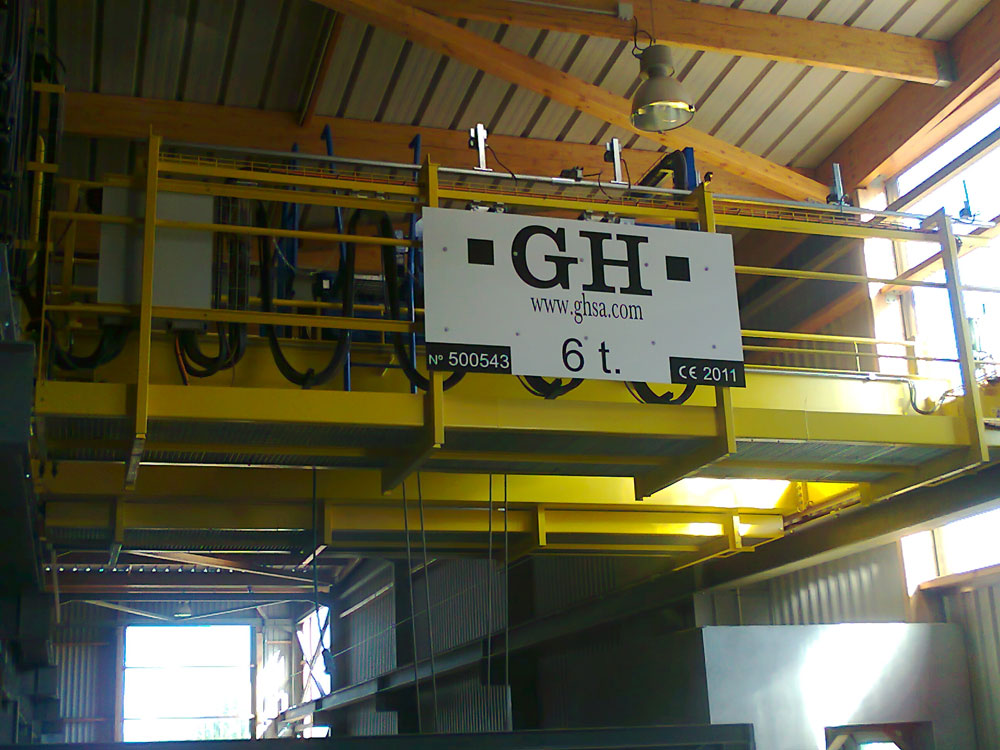 EOT crane with a 6t hoist for Urbaser en Landes (France).