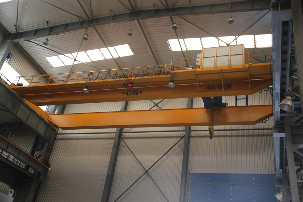 Bridge crane with hoists with 40 and 63t lifting capacities for customer Fagor Arrasate installed in Kunshan (China).