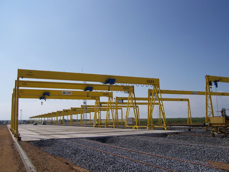 <br>Goliath crane with 12.5t hoist for Adif.