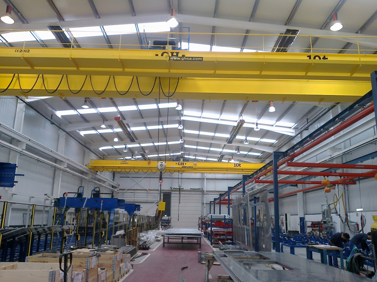 <br>Two overhead crane with a hoist of 10t lifting capacity for CAF