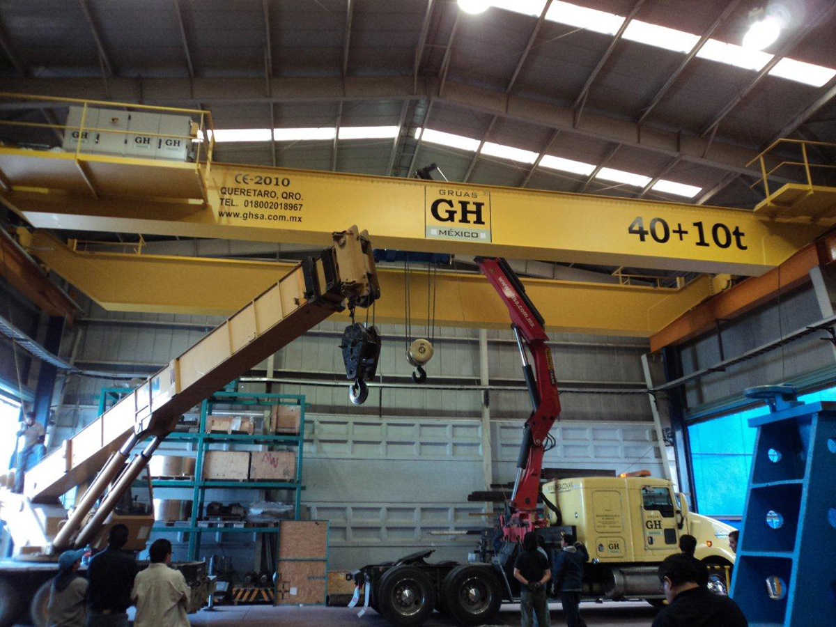 <br>Overhead Crane with 40t and 10t hoist lifting capacity for customer Muller in Mexico