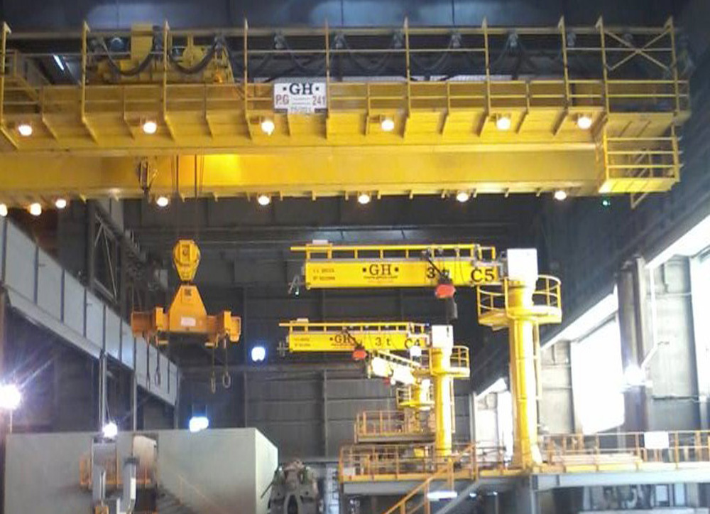 <br>Installation of a 75 / 20t lifting capacity bridge crane, 7 jib cranes with 2 and 3t and a 2 x 80t gantry crane at the SIDERAR plant, in San Nicolás, province of Buenos Aires.