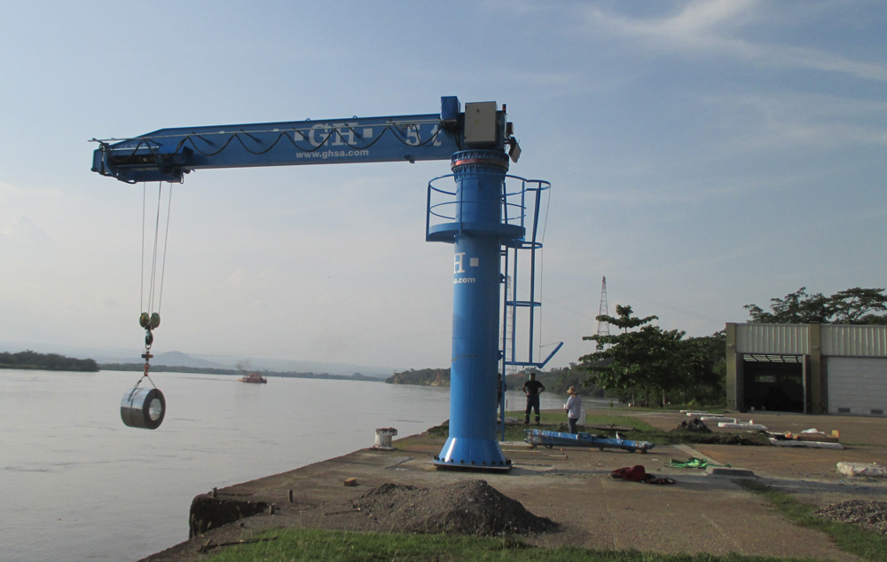<br>5t lifting capacity jib crane at the port of Berrio in Colombia