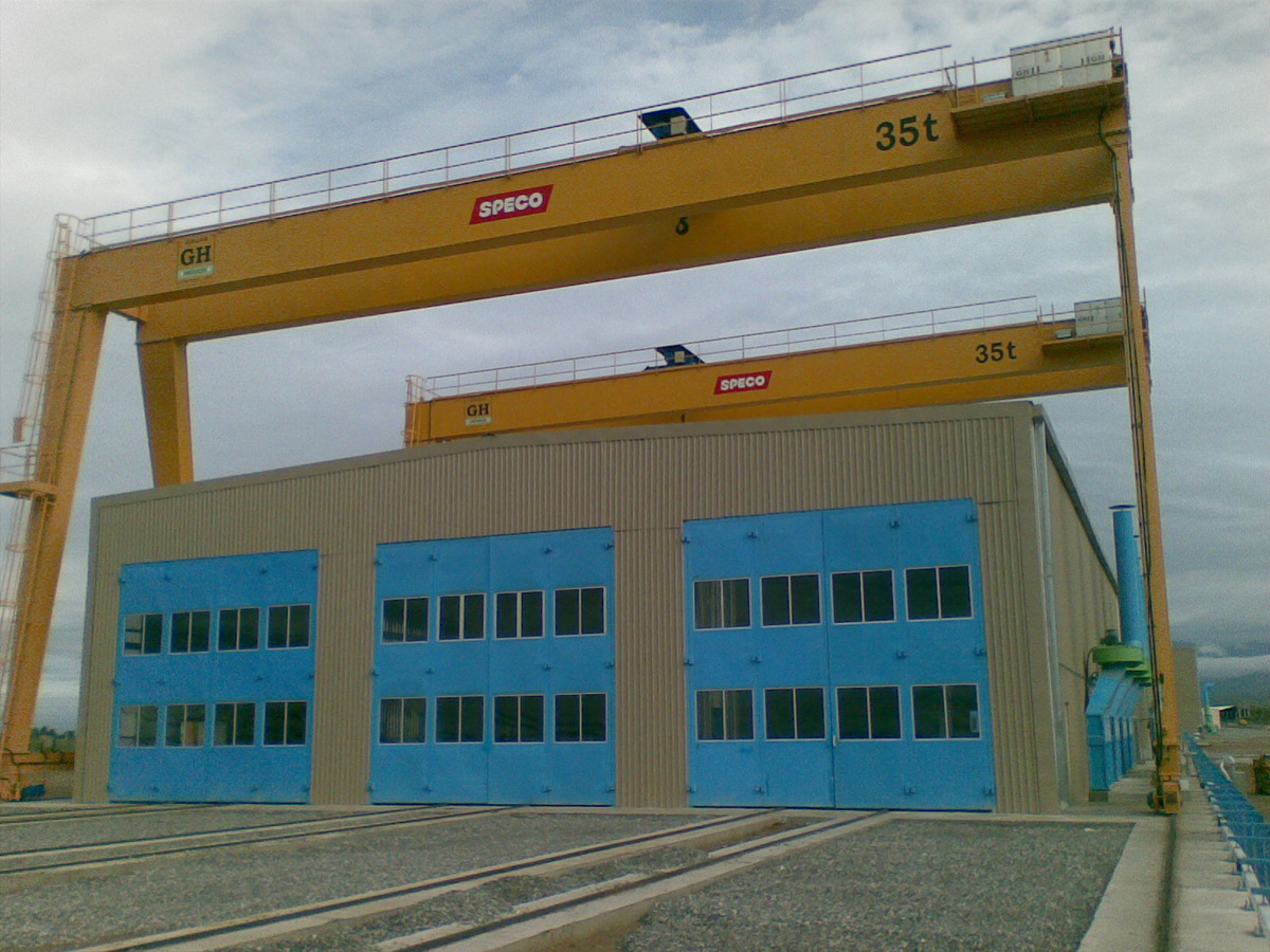 <br>Two portal cranes each with 35t hoist lifting capacity in Mexico for Speco