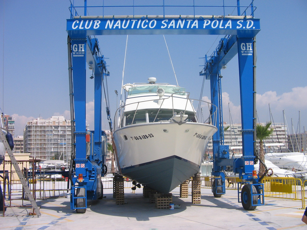 <br>Model GH35 marine automotive gantry crane for the Santa Pola Nautical Club